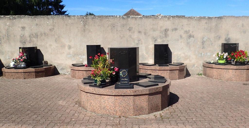 Monuments funéraire columbarium