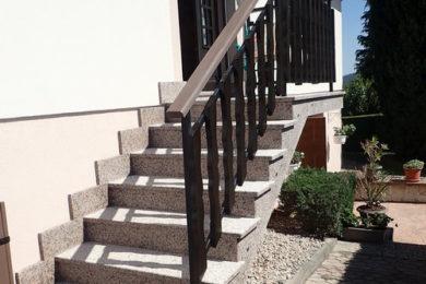 Renovation éscaliers extérieurs en granit flammé