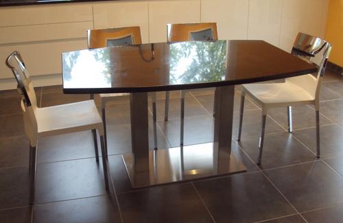 Table cuisine granit noir