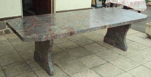Table de jardin extérieur granit